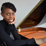Pianist Samantha Ege